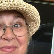 Att bli kvinna för sin hatt